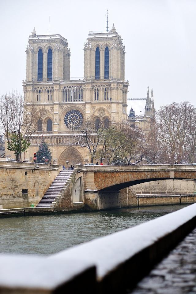 Notre-Dame-Winter.jpg
