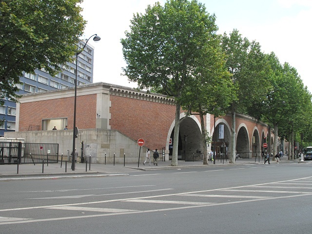 Start of the Viaduc des Arts.jpg